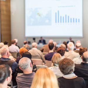 なぜ株主総会に専門のナレーターが必要なのか