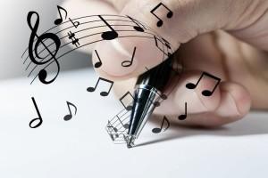 著名なアーティストも作詞作曲している?昭和と平成の校歌の流行について