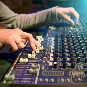 複数の音源を1つの楽曲にする