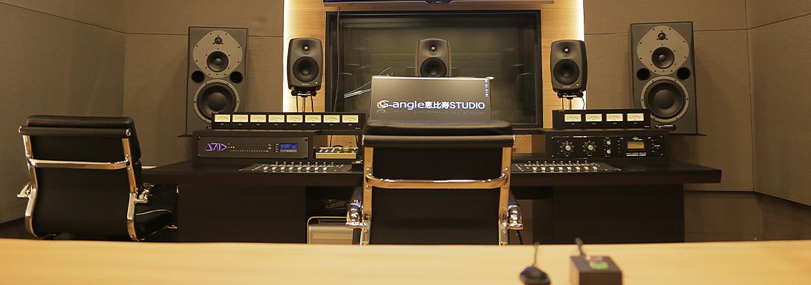 6つの音声収録専用の自社スタジオ